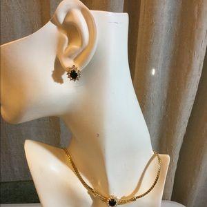 Jewelry - Gold tone chocker Necklace set
